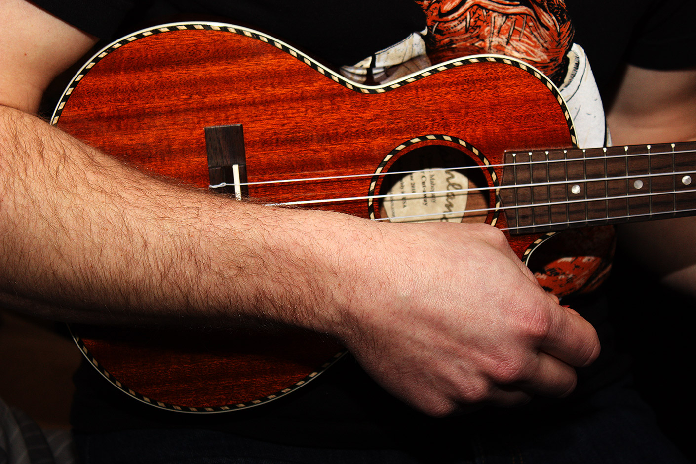 music photo daveO on uke ukelele